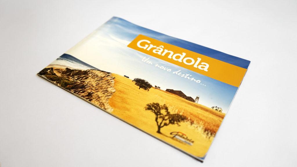 brochura turística de Grandola by Infoportugal