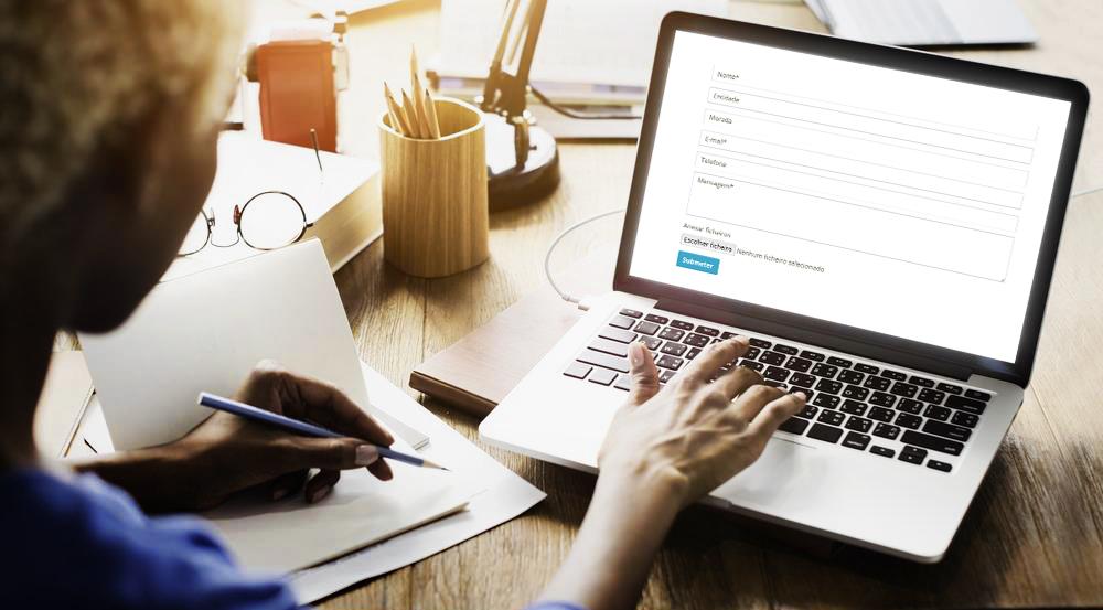 sistema de gestão de formulários por InfoPortugal